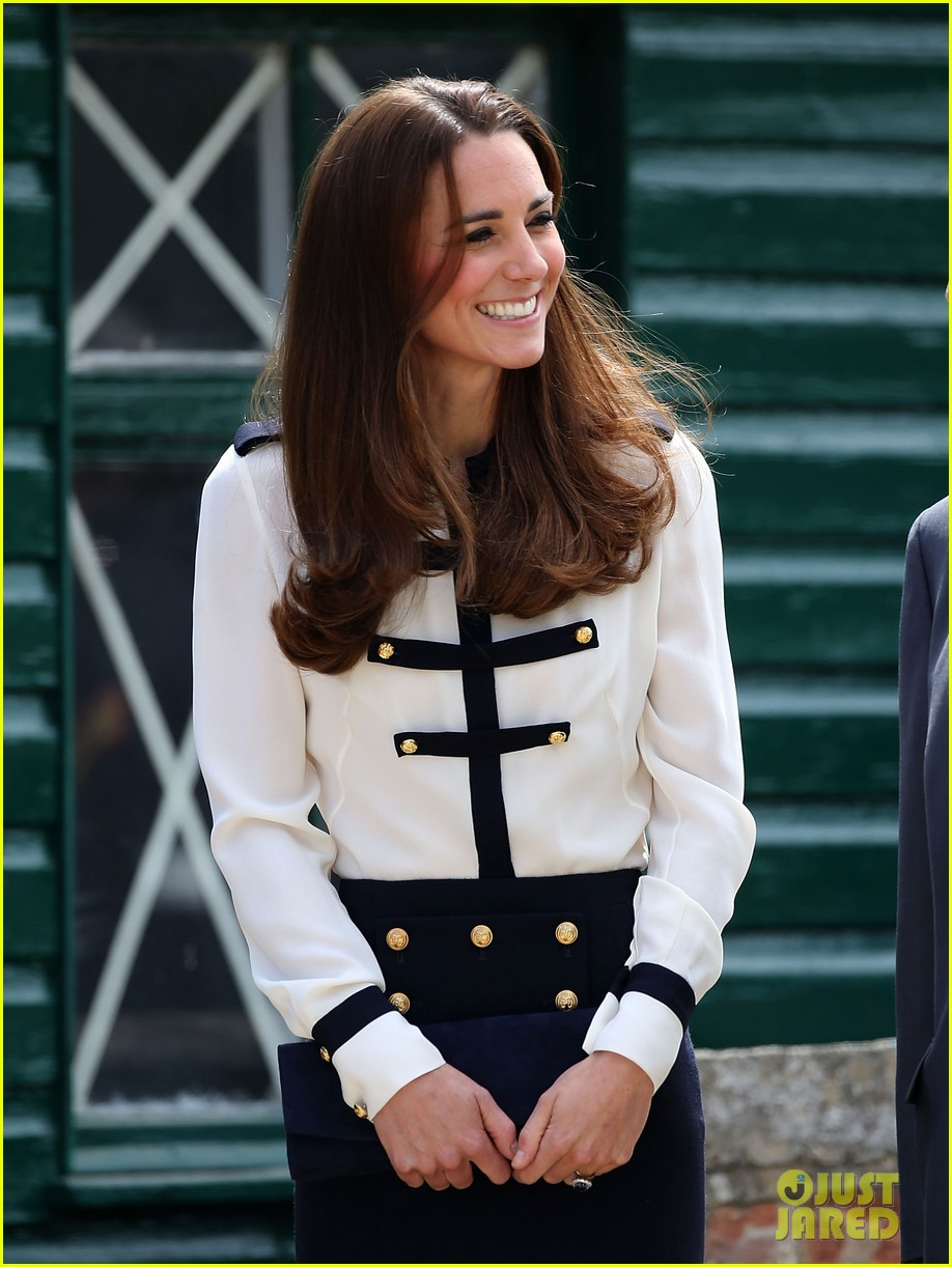 kate middleton steps out solo for bletchley park spy school visit 01