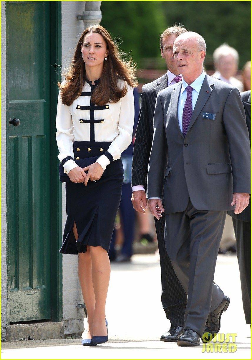 kate middleton steps out solo for bletchley park spy school visit 02