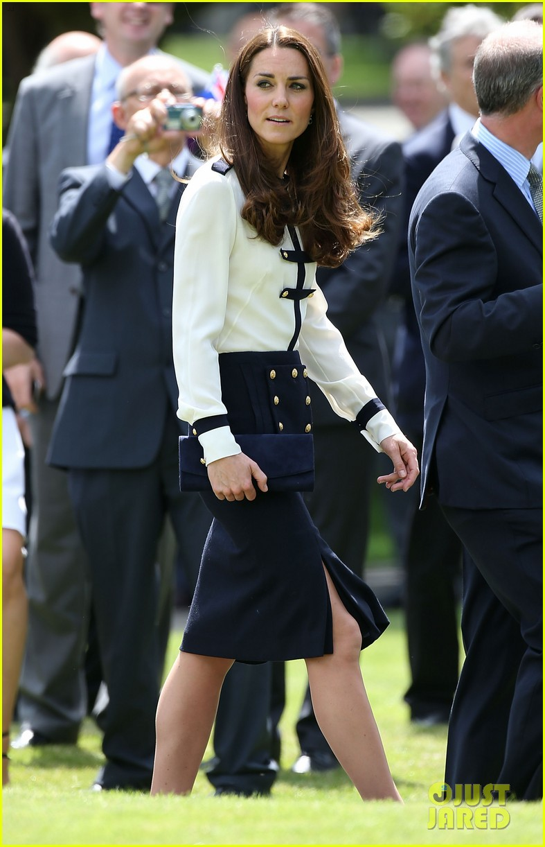 kate middleton steps out solo for bletchley park spy school visit 033137928