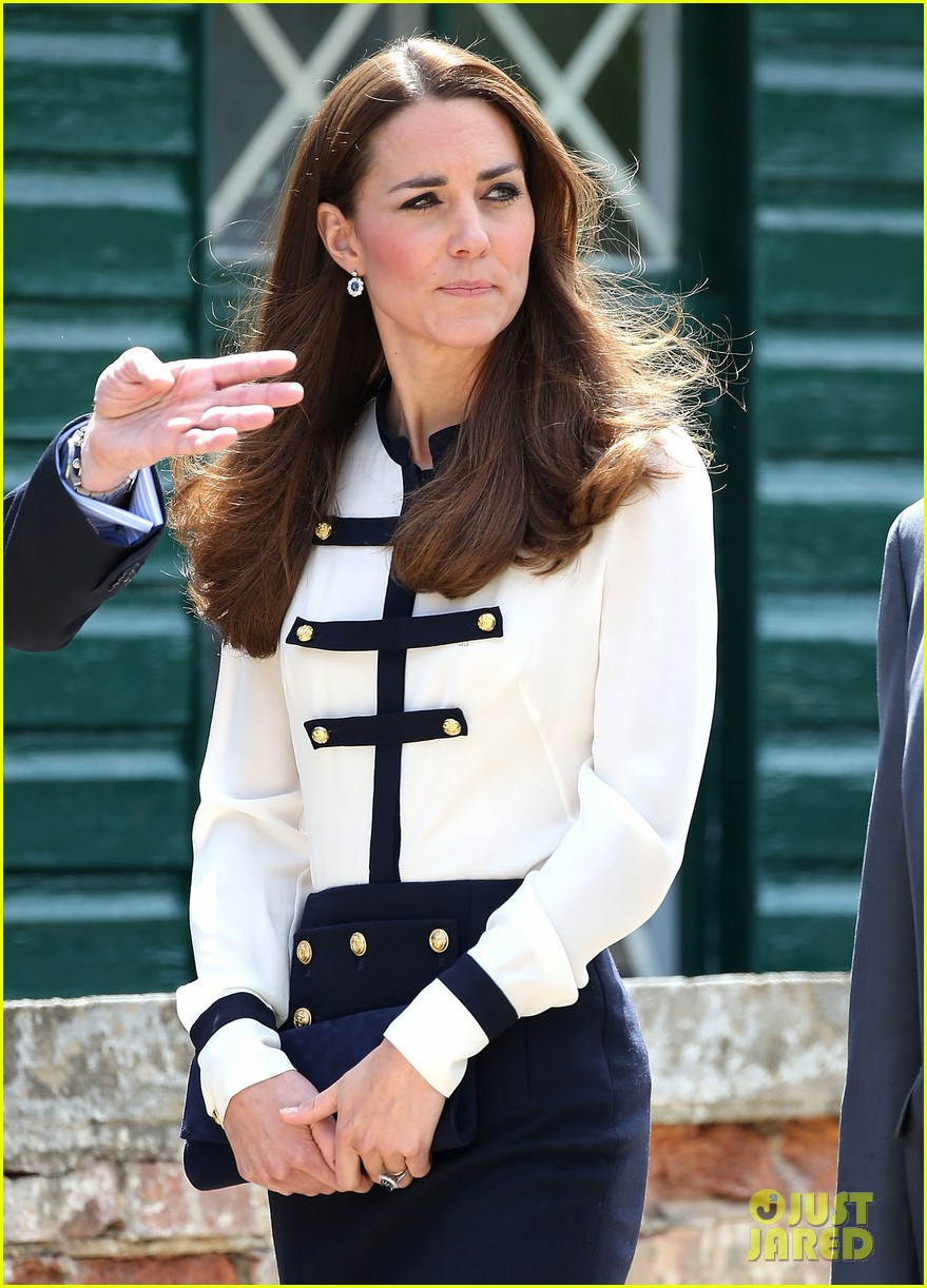 kate middleton steps out solo for bletchley park spy school visit 063137931
