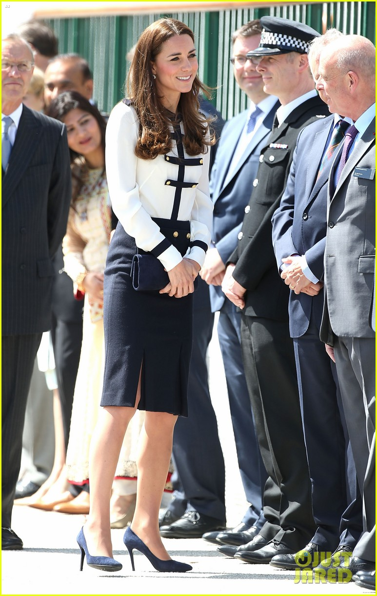 kate middleton steps out solo for bletchley park spy school visit 103137935