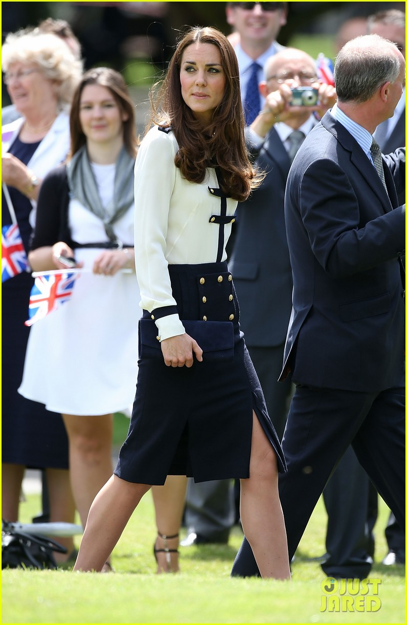 kate middleton steps out solo for bletchley park spy school visit 113137936