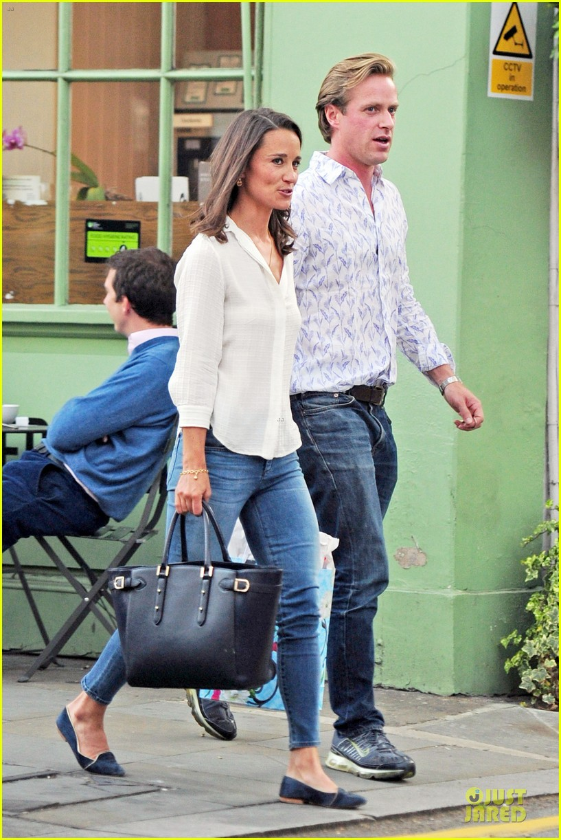 pippa middleton grabs drinks with tom kingston 063144933