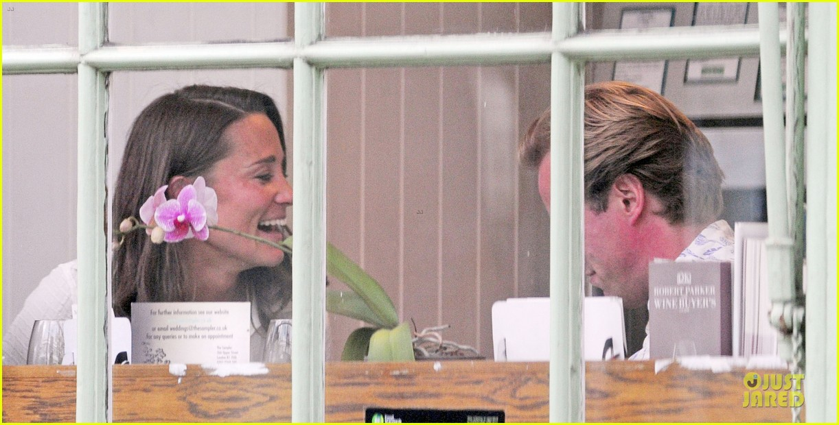pippa middleton grabs drinks with tom kingston 083144935