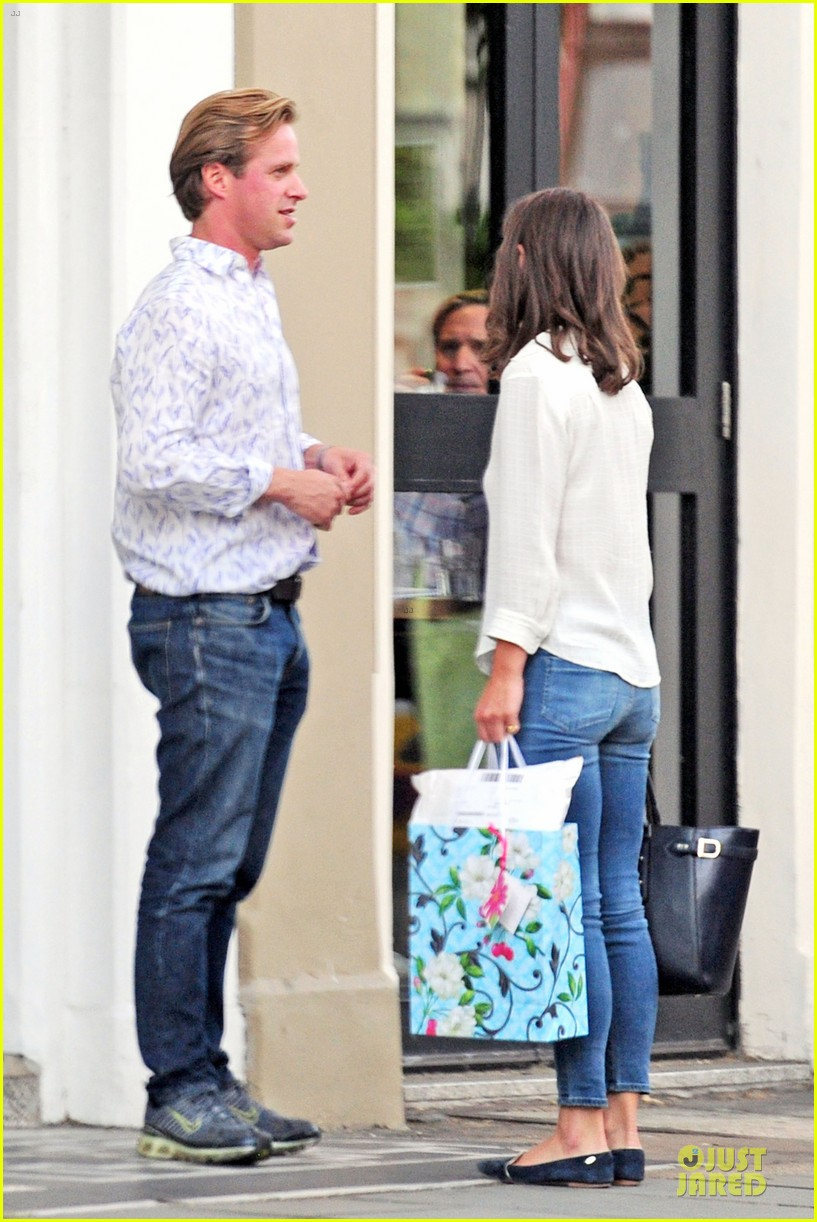 pippa middleton grabs drinks with tom kingston 103144937