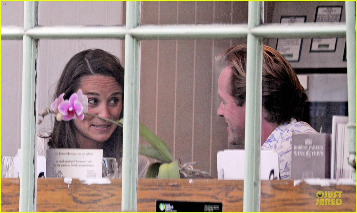 pippa middleton grabs drinks with tom kingston 213144948