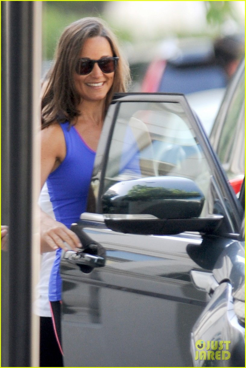 pippa middleton has a royal dog day afternoon with lupo 153133410