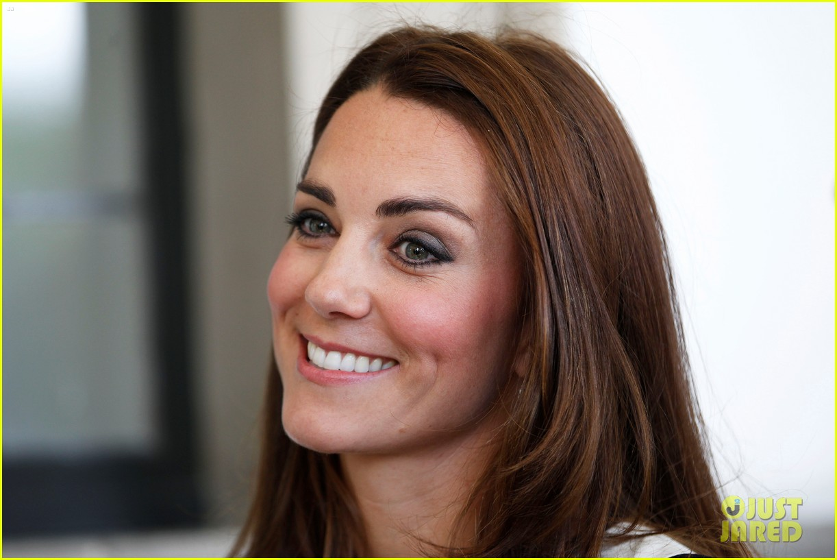 kate middleton never fails to impress see latest outfit here 113132277