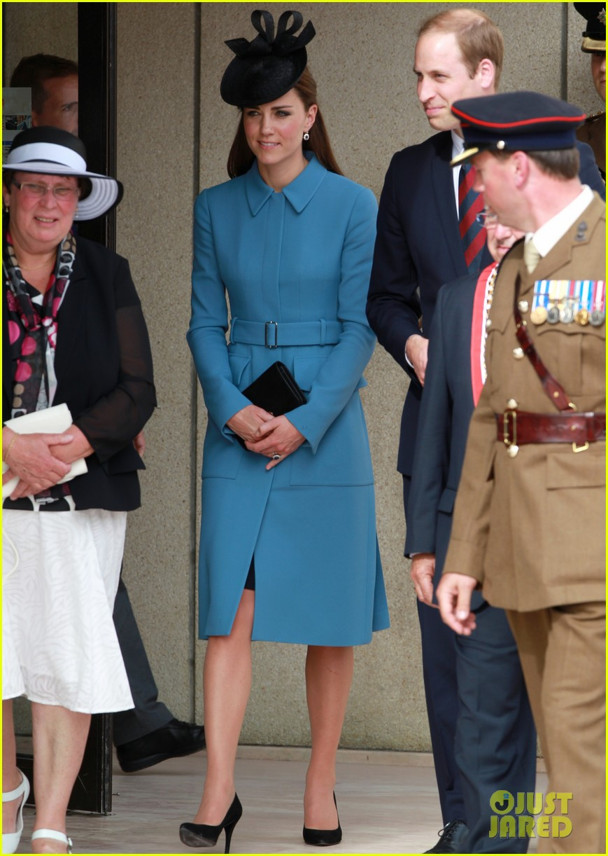 kate middleton prince william pay respects at d day 70th anniversary 033129873
