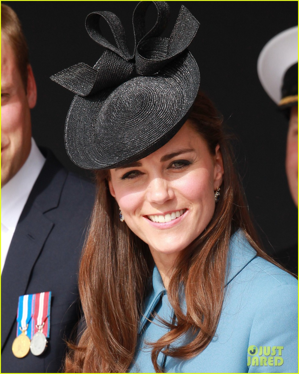 kate middleton prince william pay respects at d day 70th anniversary 213129891
