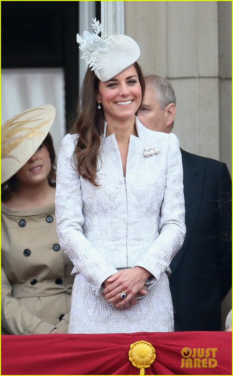kate middleton prince william harry favorite royal trio 083135472