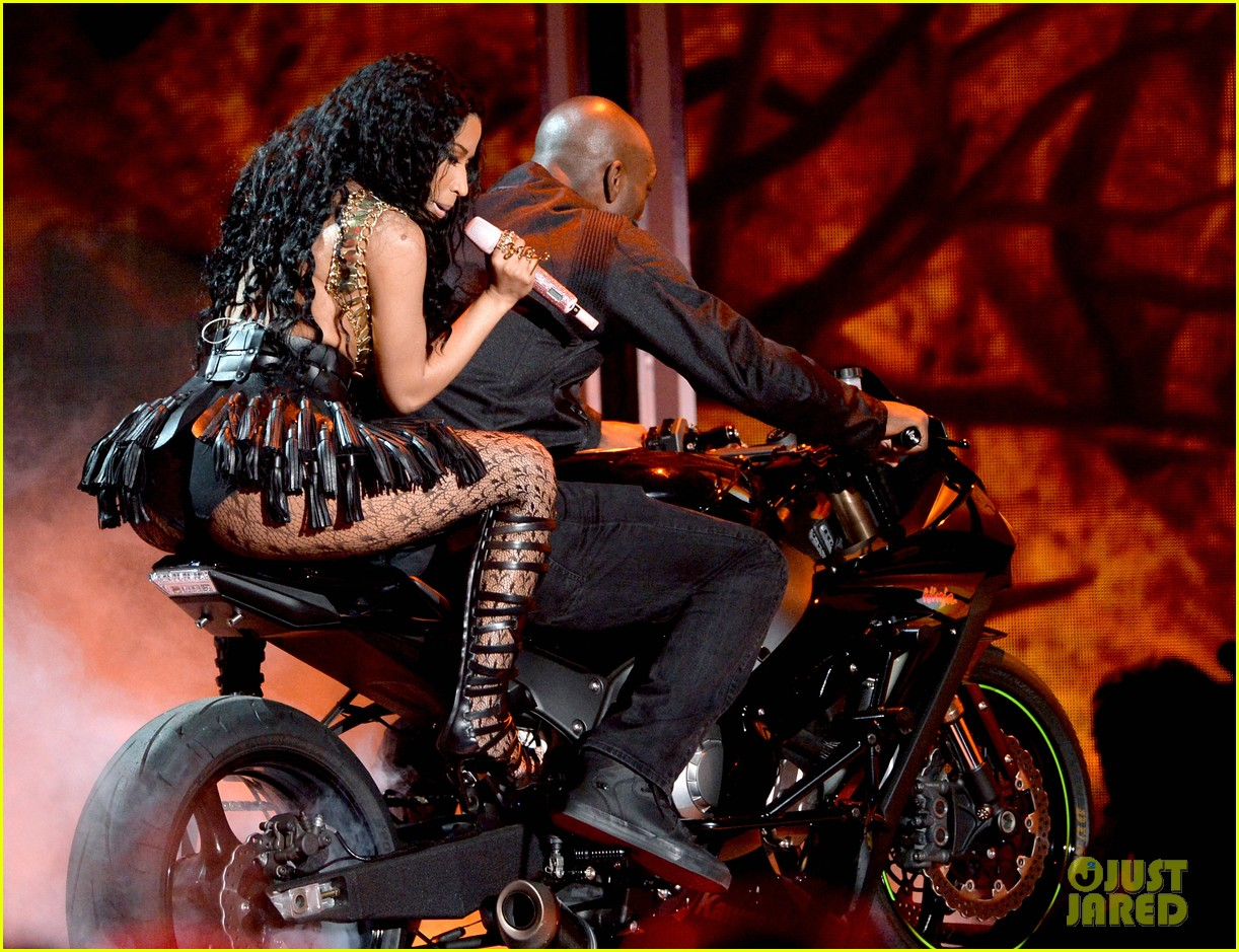 nicki minaj bet awards 2014 083146364