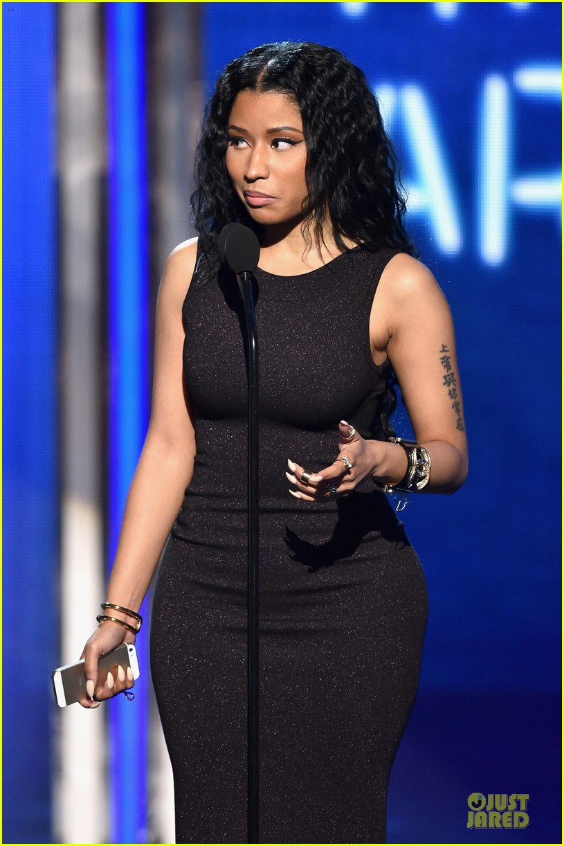 nicki minaj changes to accept female hip hop artist 103146579