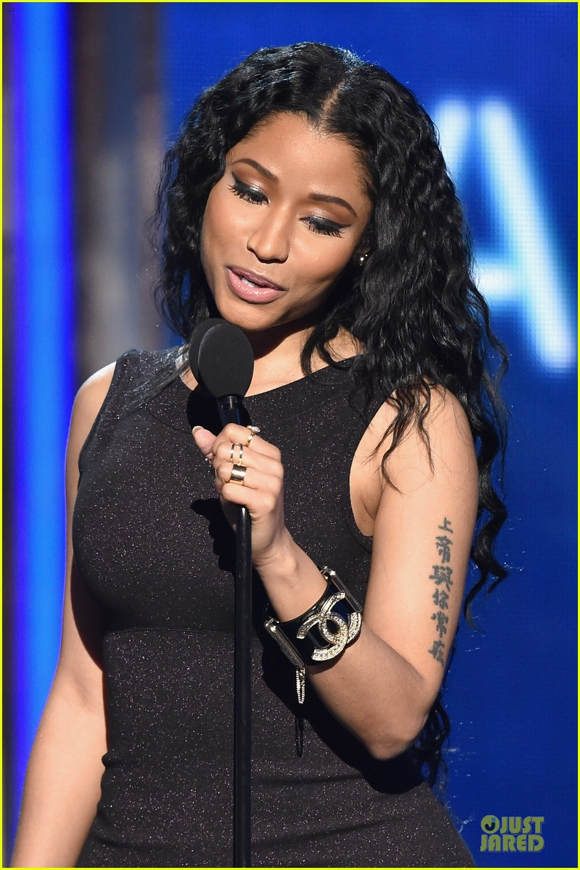 nicki minaj changes to accept female hip hop artist 11