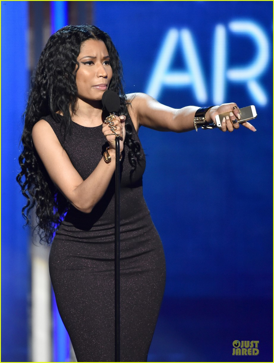 nicki minaj changes to accept female hip hop artist 13