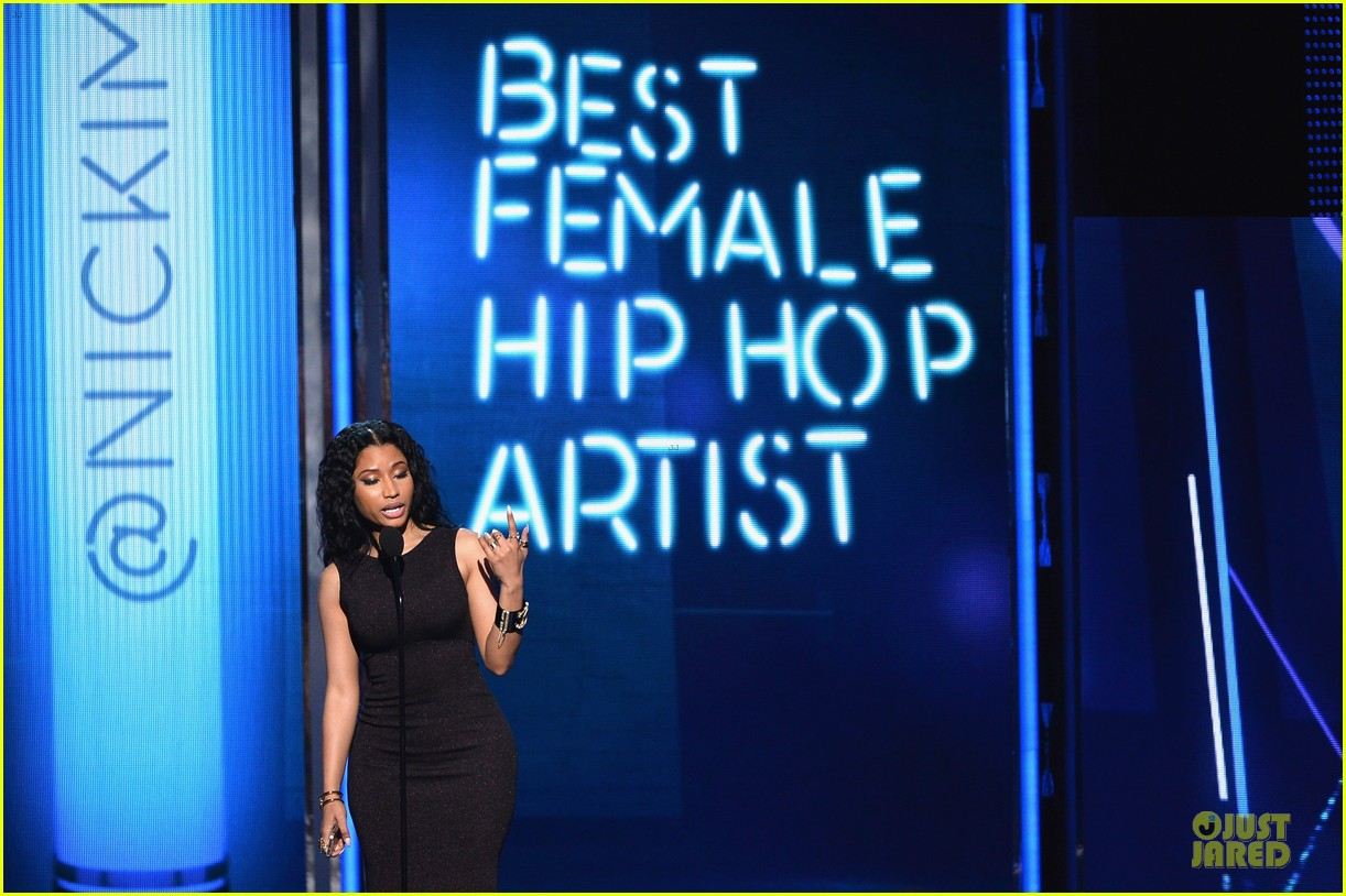 nicki minaj changes to accept female hip hop artist 15