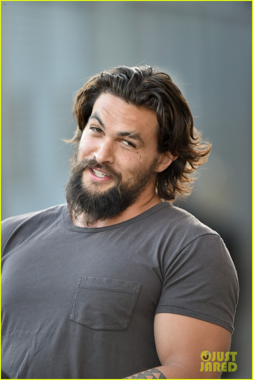 jason momoa grilled over aquaman rumors 03