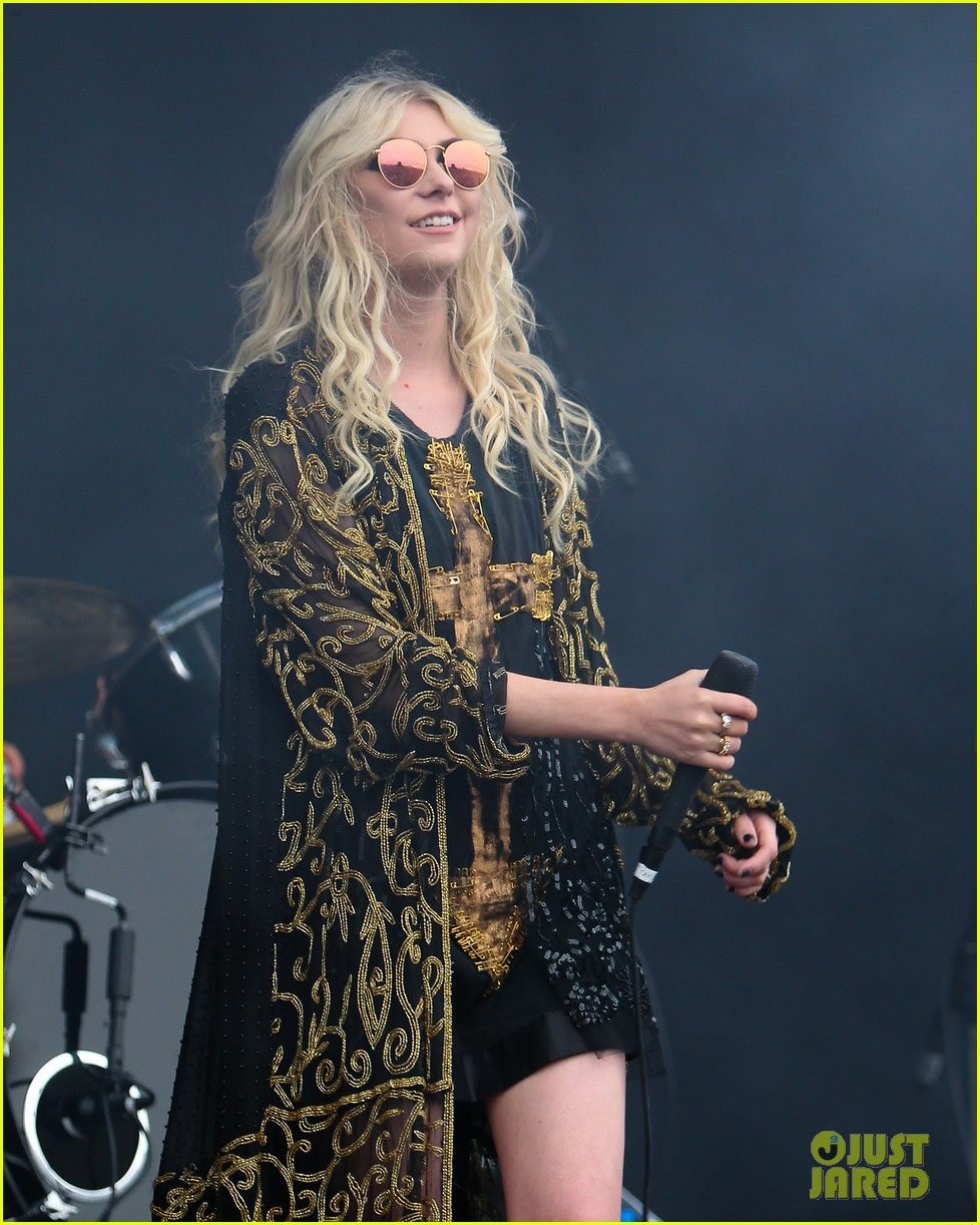 taylor momsen pretty reckless messed up world video 033137266