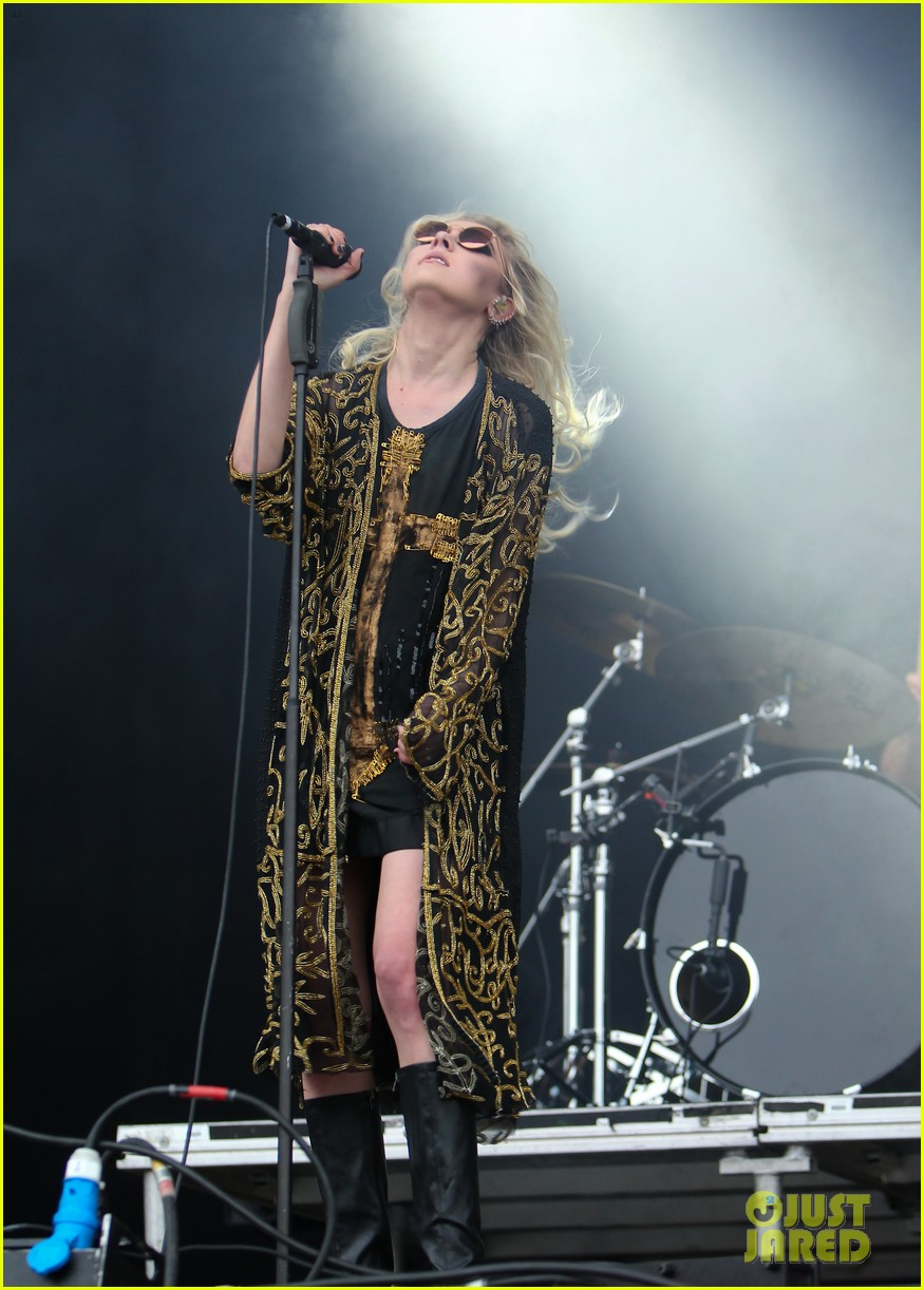 taylor momsen pretty reckless messed up world video 063137269