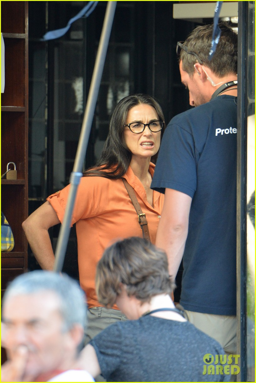 demi moore gets back to the grind begins filming wild oats 06