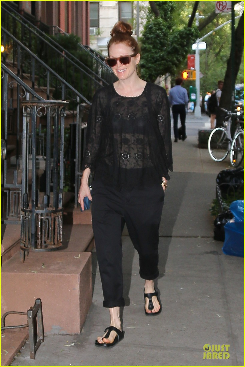 julianne moore flashes black bra in sheer top 073142890
