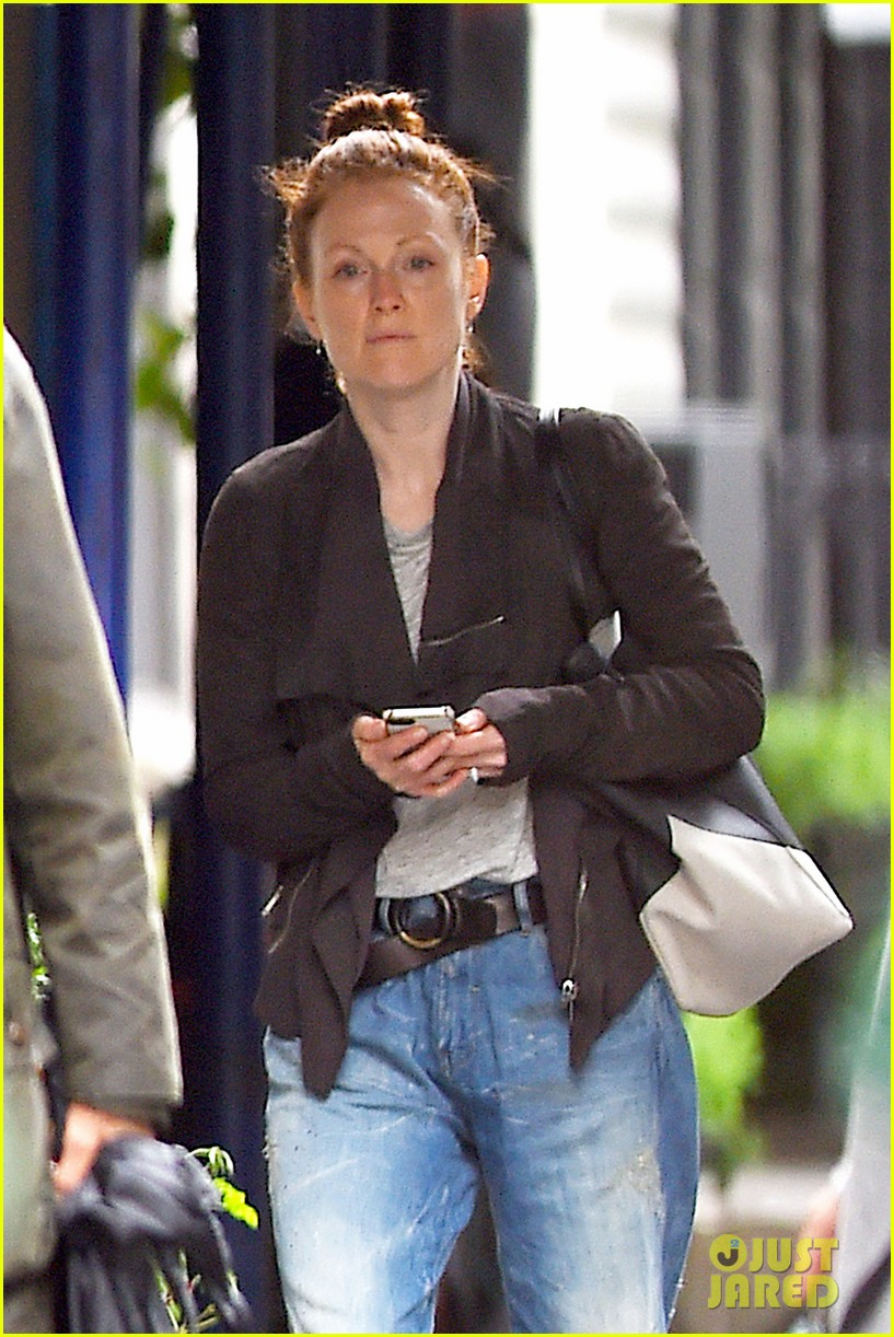 julianne moore scored cool mom points 023130646