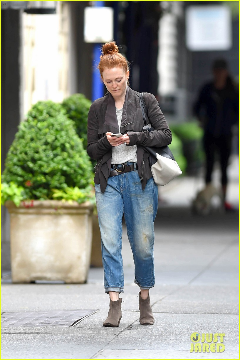 julianne moore scored cool mom points 053130649