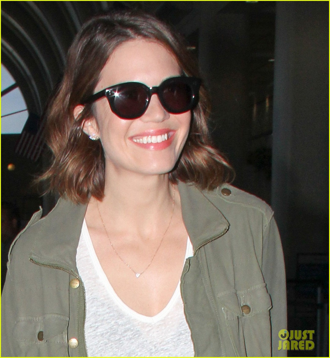 mandy moore celebrates genius friends 063140438