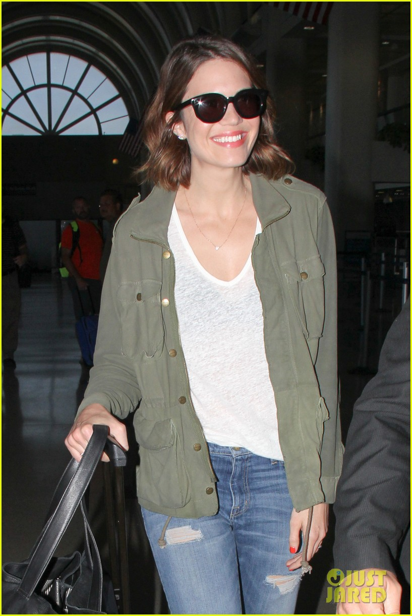 mandy moore celebrates genius friends 073140439