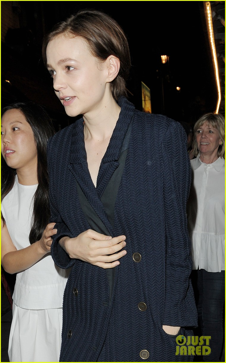 carey mulligan celebrates at skylight press night 103138493