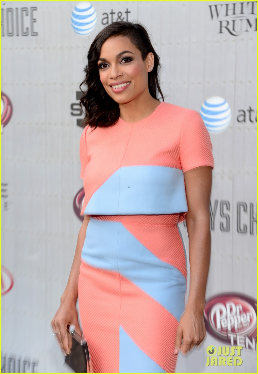 olivia munn rosario dawson guys choice awards 2014 043130689
