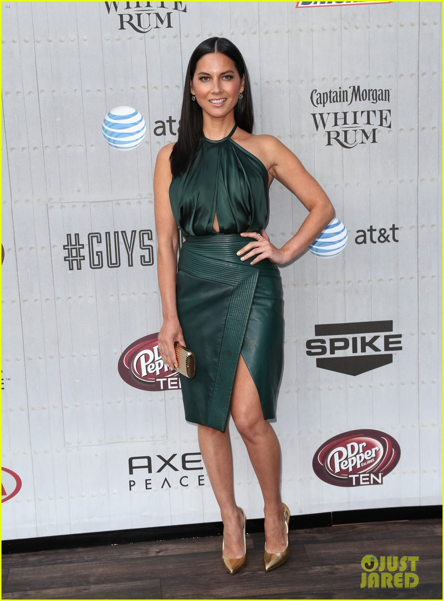 olivia munn rosario dawson guys choice awards 2014 073130692