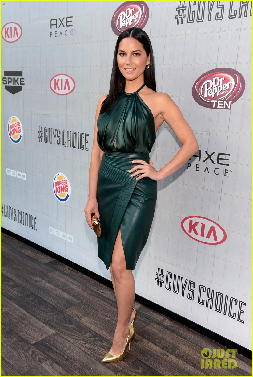 olivia munn rosario dawson guys choice awards 2014 113130696