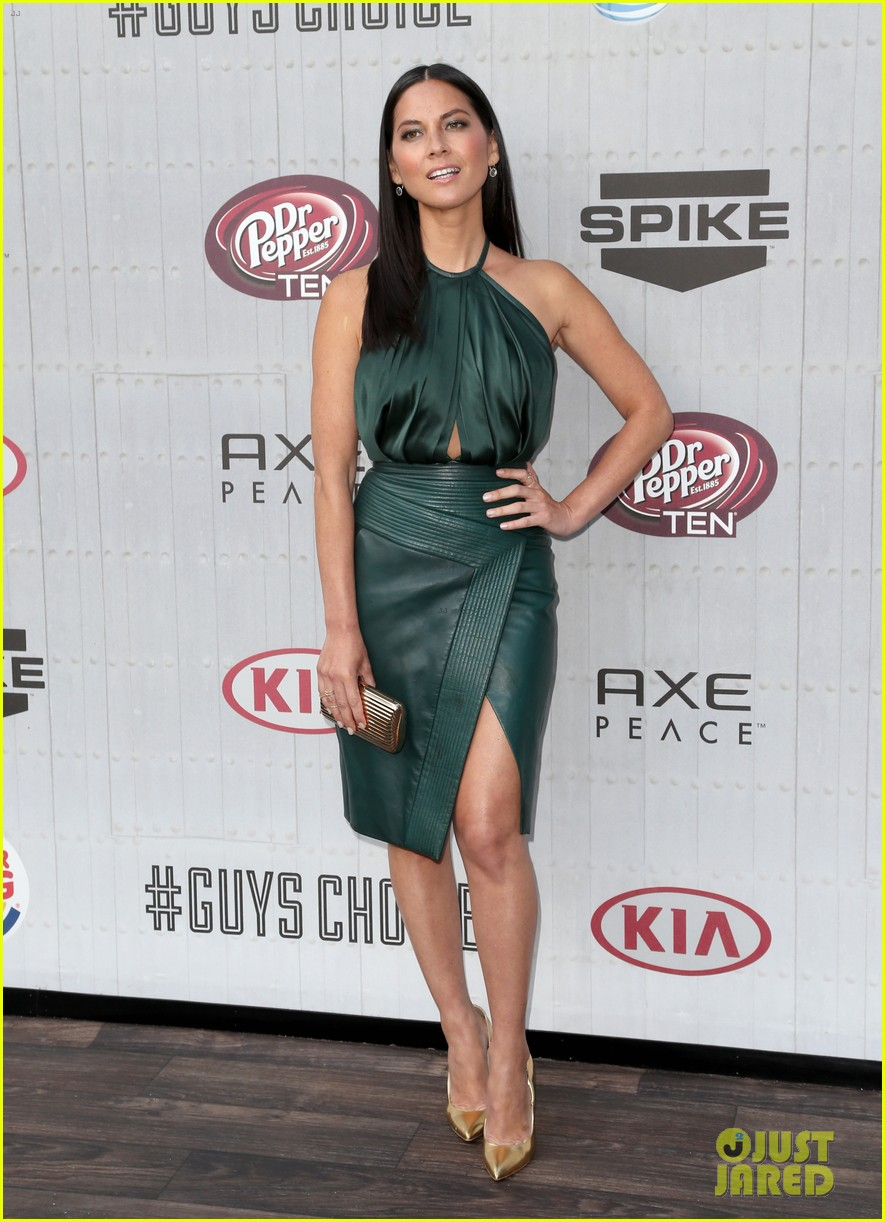 olivia munn rosario dawson guys choice awards 2014 173130702