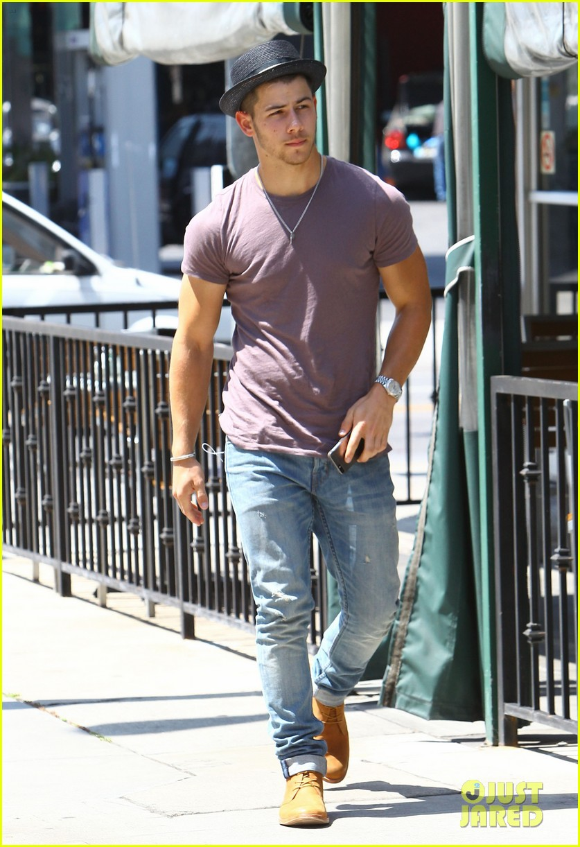 nick jonas joe jonas blanda hugos lunch 053134839
