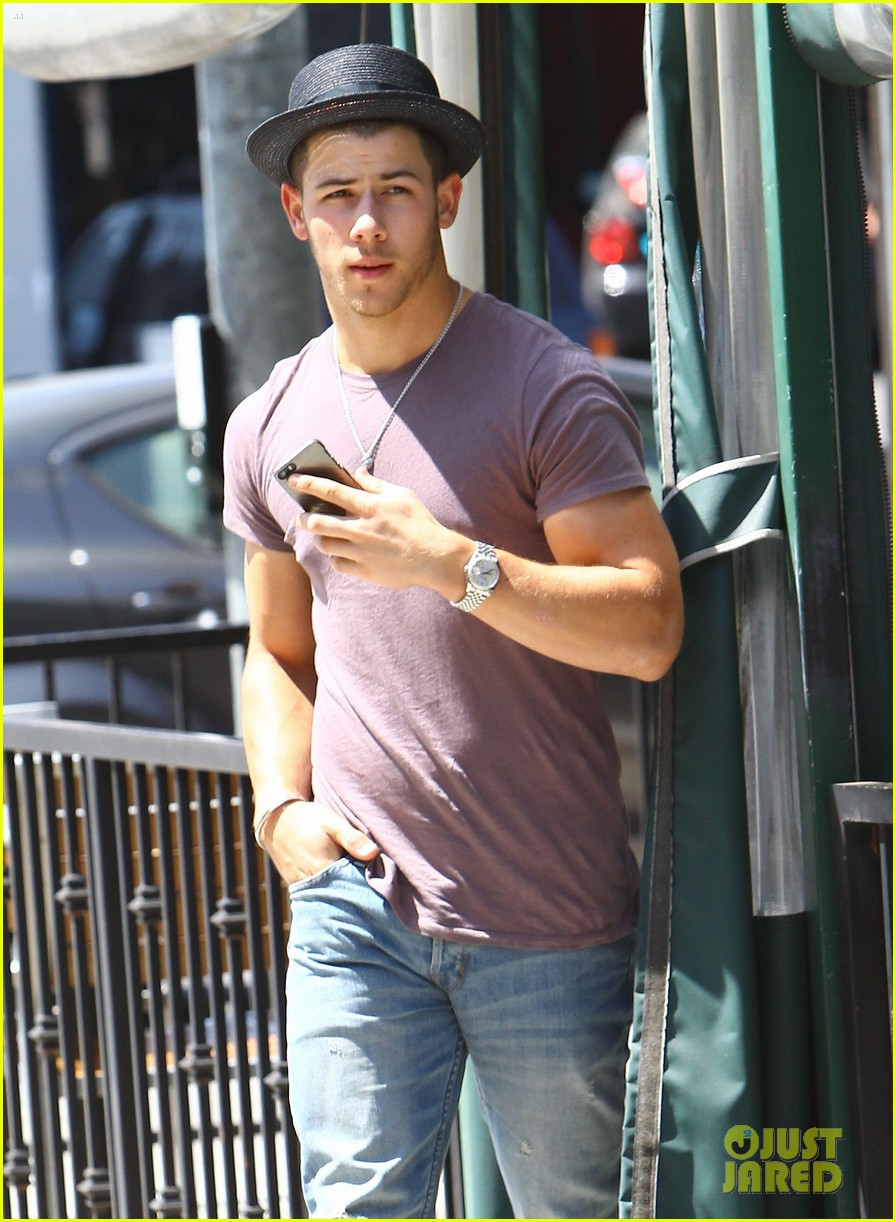nick jonas joe jonas blanda hugos lunch 07