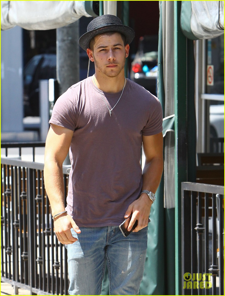 nick jonas joe jonas blanda hugos lunch 103134844