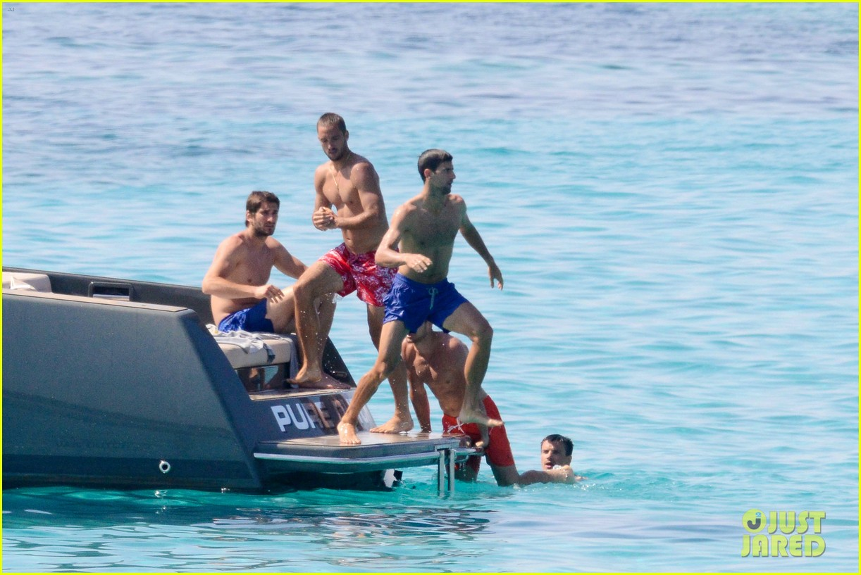 novak djokovic continues his bachelor party beach vacation 013135146