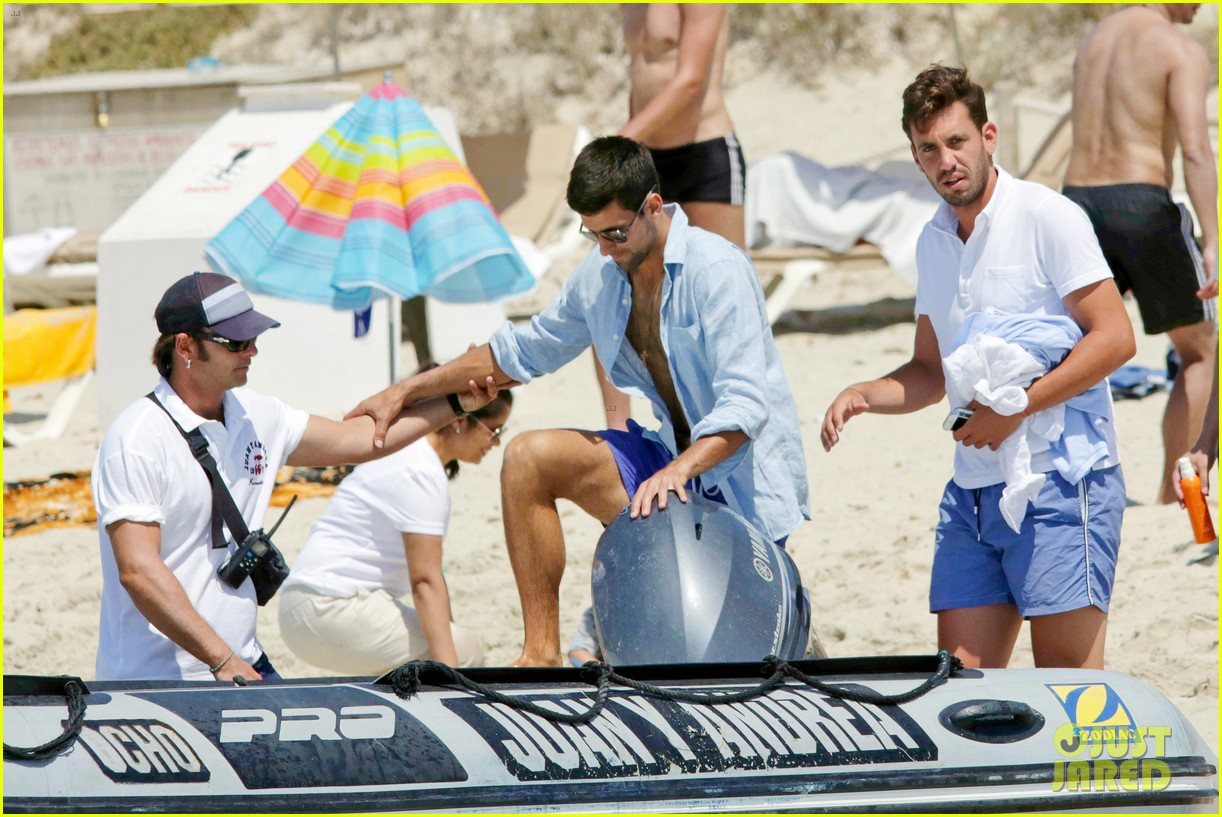 novak djokovic continues his bachelor party beach vacation 153135160