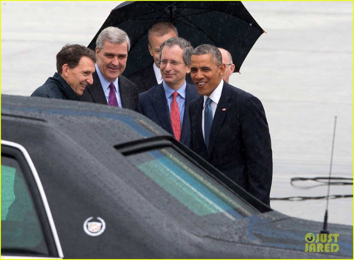 barack obama arrives in brrussels amid calls for impeachment 103128281