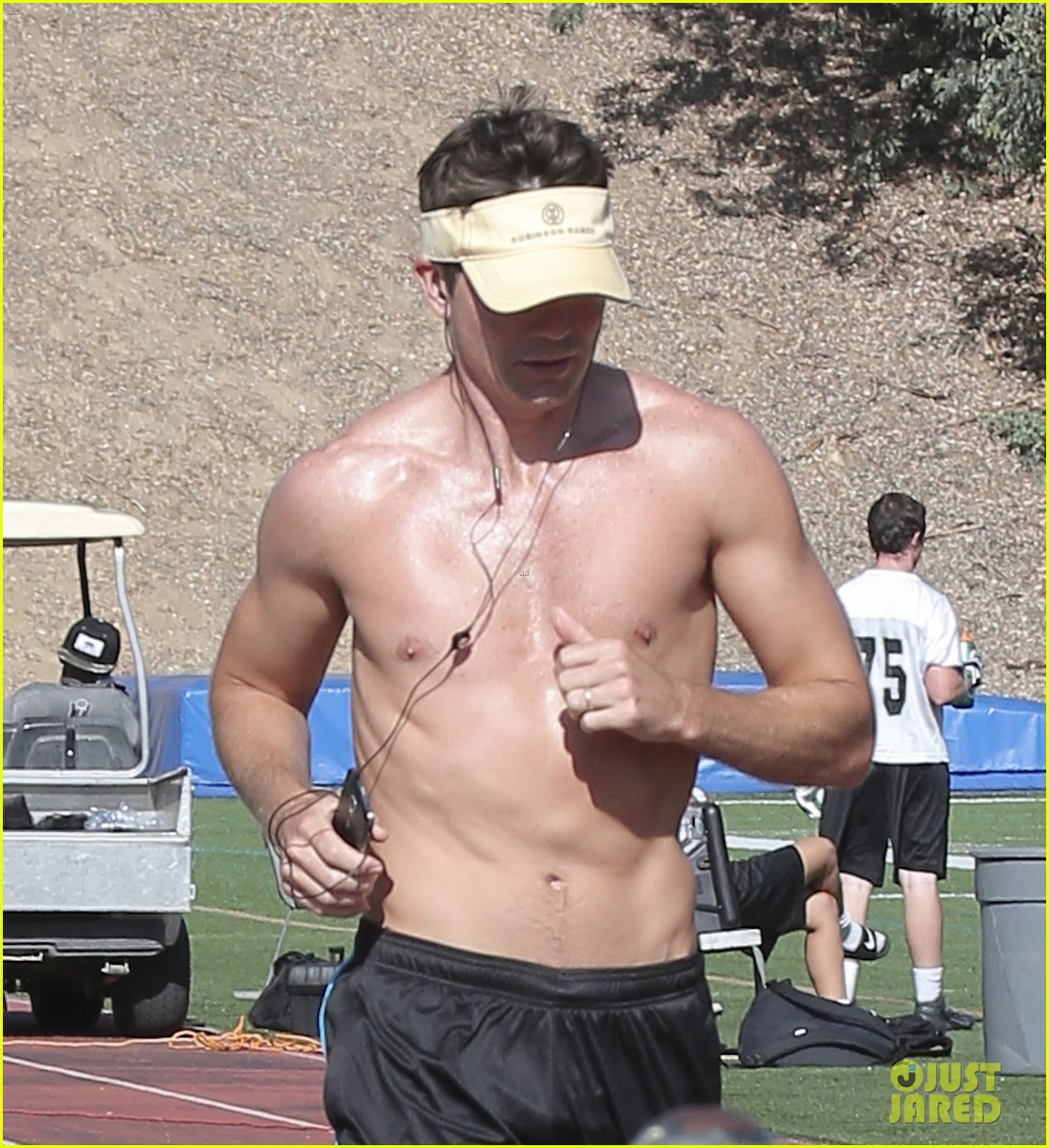 jerry oconnell shows off fit body while running shirtless 023144204