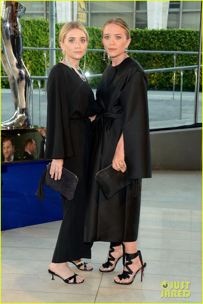 mary kate ashley olsen cfda fashion awards 033126902