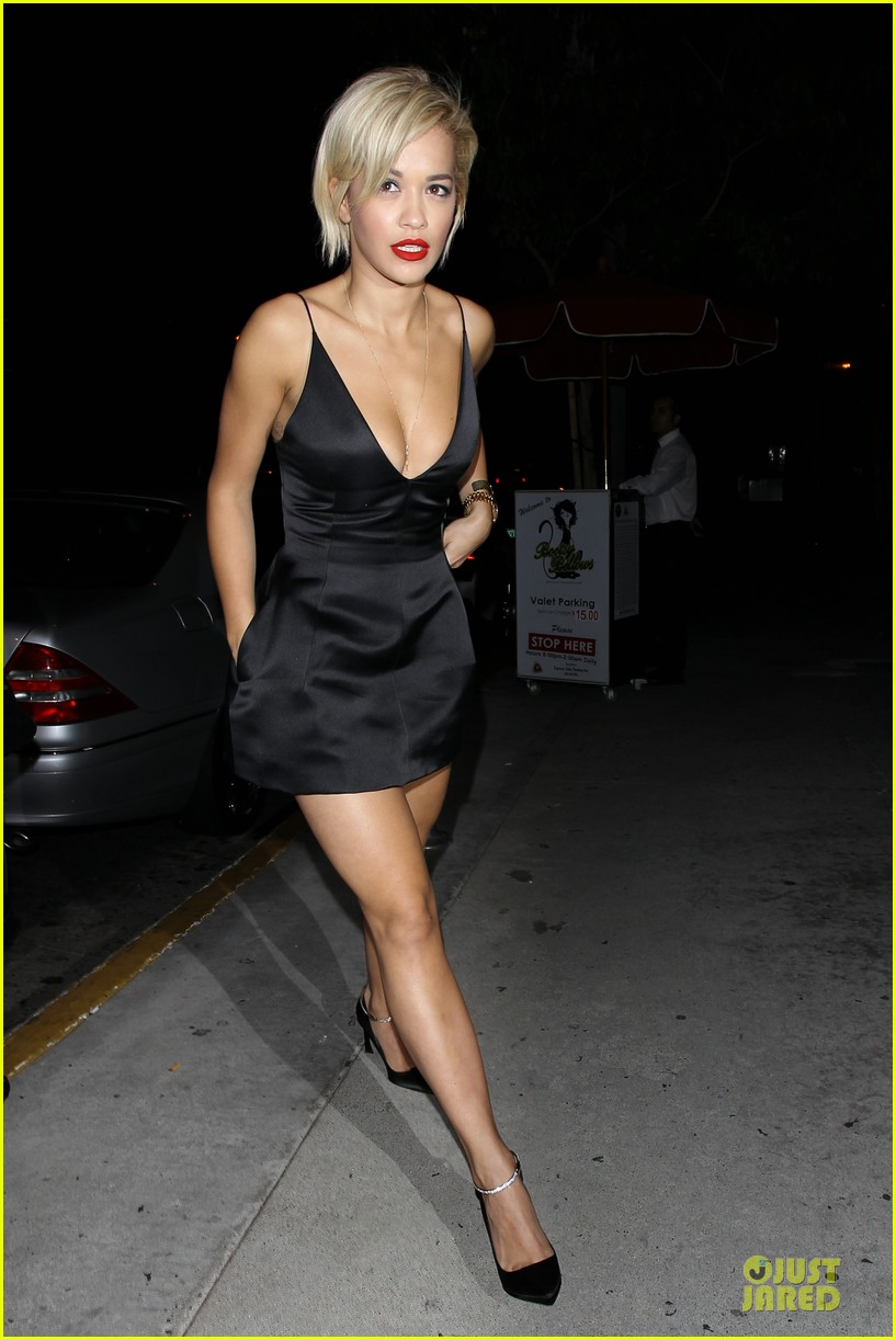 rita ora shows cleavage after calvin harris split 033130362
