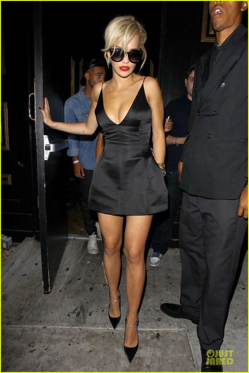 rita ora shows cleavage after calvin harris split 103130369