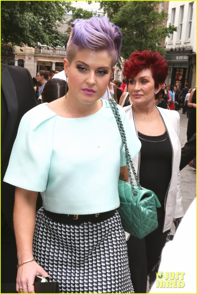 kelly osbourne launches her mac collection with mother sharon 02