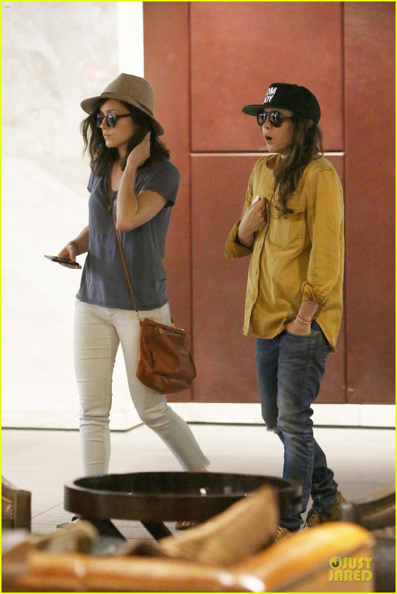 ellen page sunday shopping with close gal pal 113131971