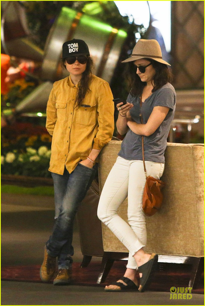 ellen page sunday shopping with close gal pal 123131972
