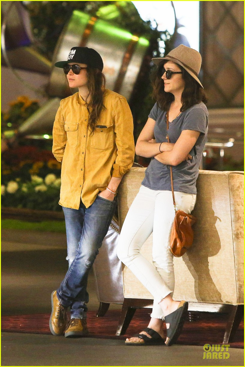 ellen page sunday shopping with close gal pal 213131981