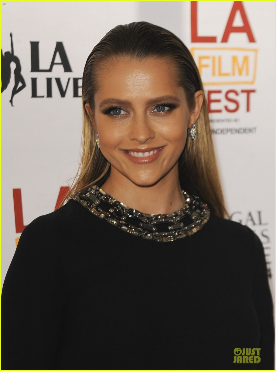 teresa palmer so slick at cut bank screening 06