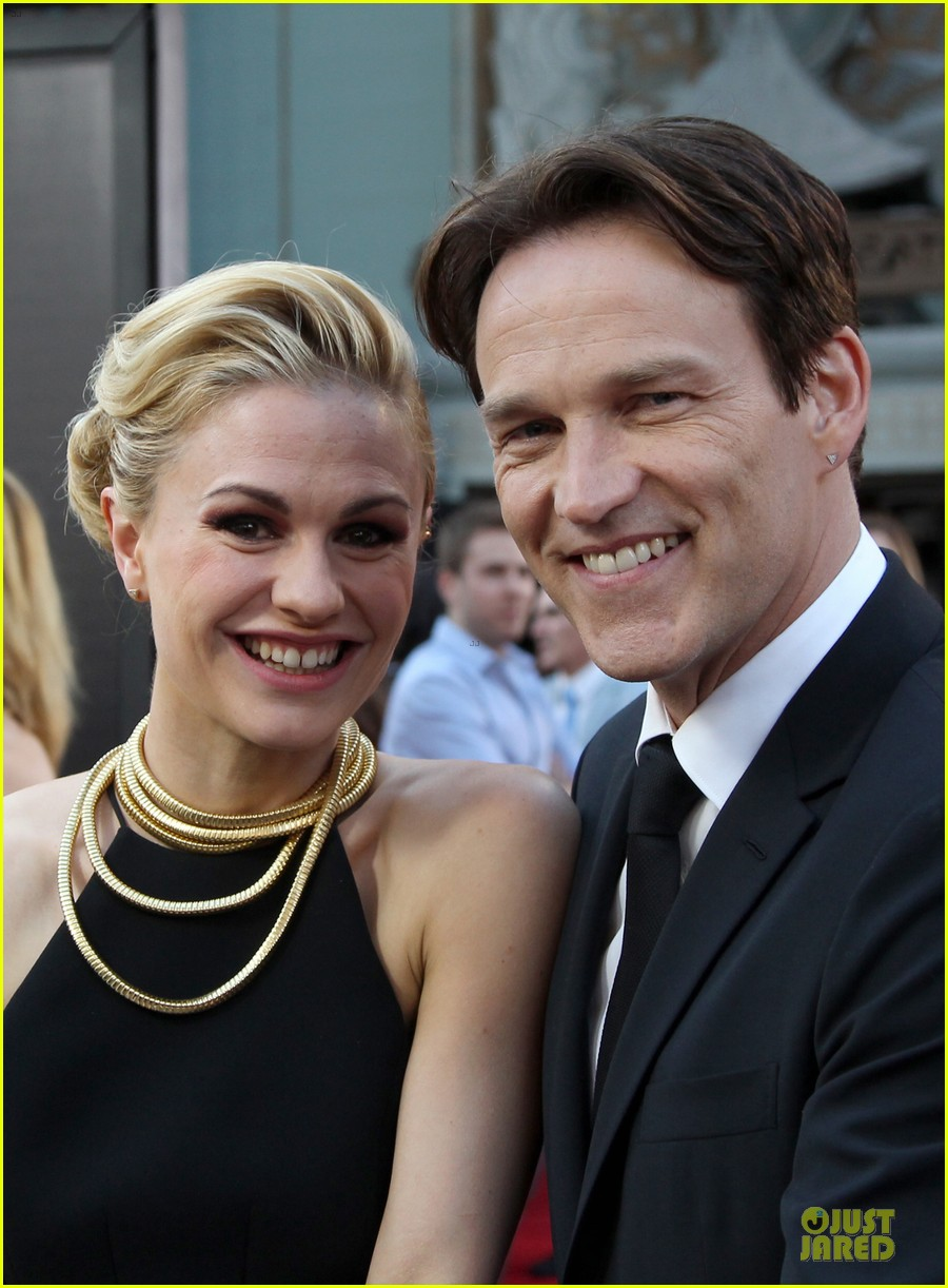 anna paquin gives stephen moyer look of love at true blood premiere 023137755